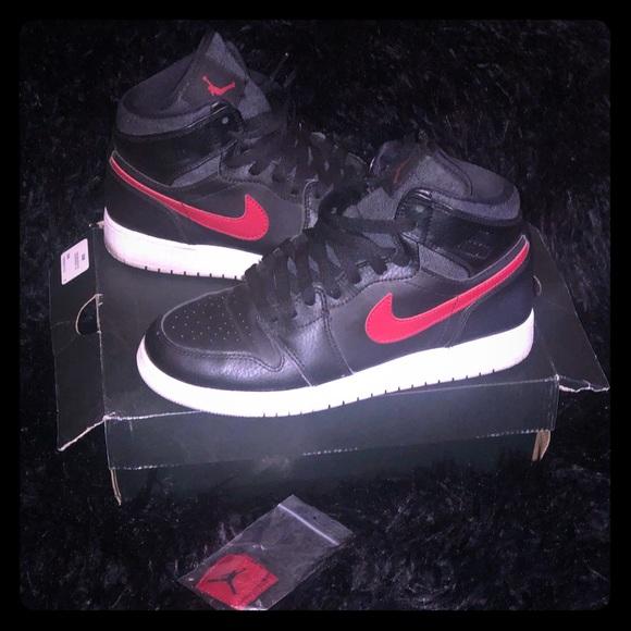 "8d9f8ee88b1a Jordan Shoes - Nike Air Jordan 1 Retro High GS ""Rare Air"""
